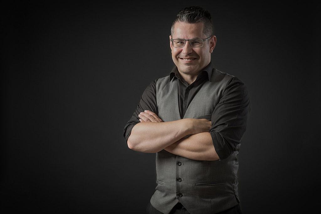 Profielfoto in biografie van goochelaar Michael Divano